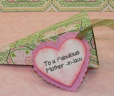 Sizzix Triangle Box Gift – Give Away