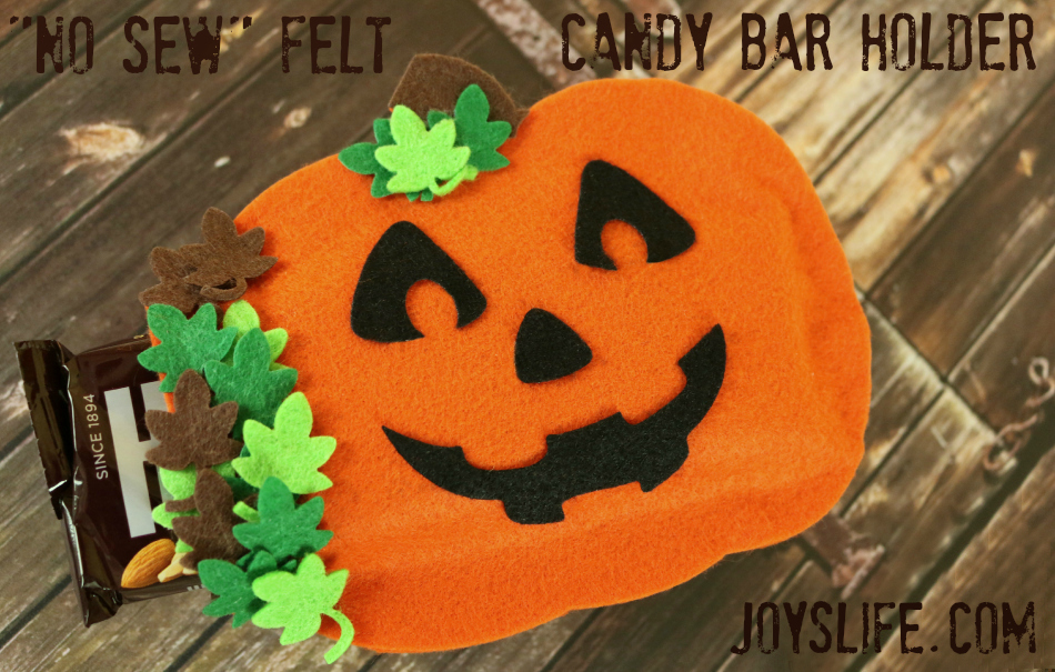 No Sew Felt Candy Bar Holder #NoSew #Halloween #TopDogDies #crafts