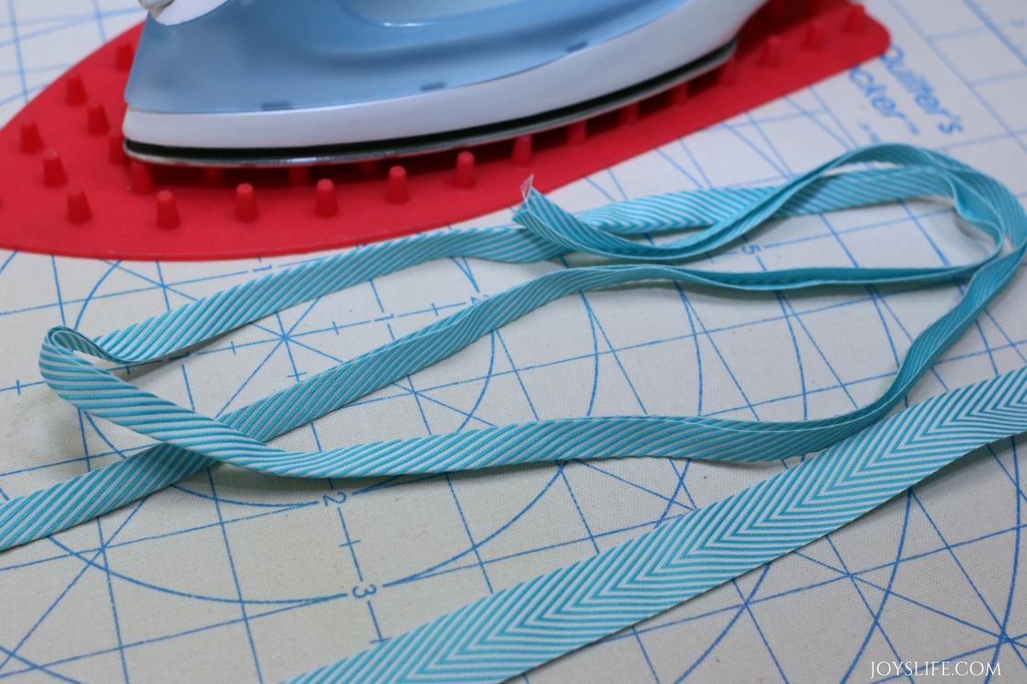 folded ribbon drawstring