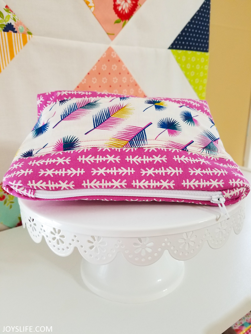 Cricut Maker Little Zipper bag #cricutmaker #cricut #zipperbag #sewing