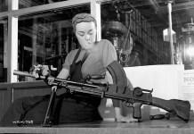 2차대전 기관총녀