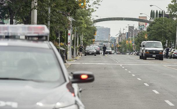 토론토 댄포스 총격 피해자 사망 2명, 부상 13명… 범인도 사망