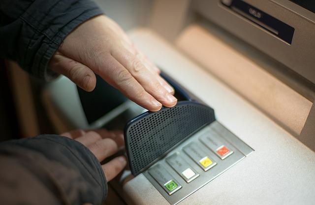 """""""캐나다 현금(데빗)카드, 한국에서 사용가능한가요?"""""""