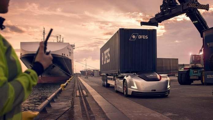 무인트럭, 항구에서 운송업무 시작