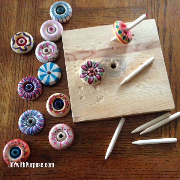 wooden jig for completing wood spinning top