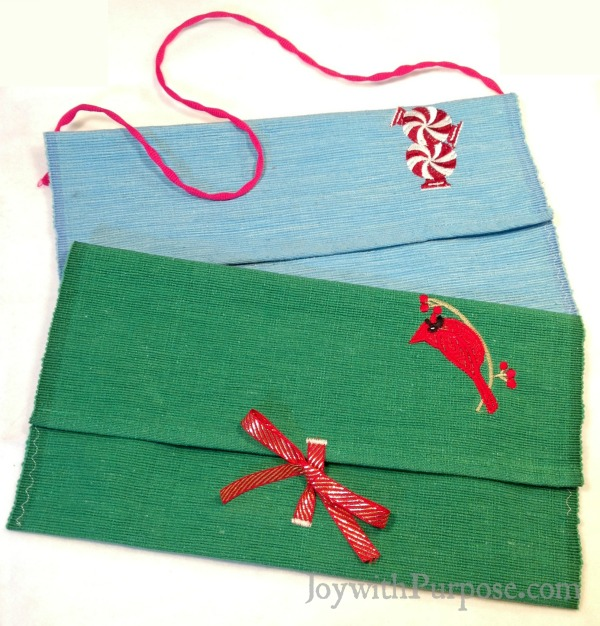 Upcycle placemats into clutch bags and shoulder bags