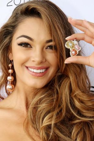 Demi-Leigh Nel-Peters Miss Universe farewell outfit national gift