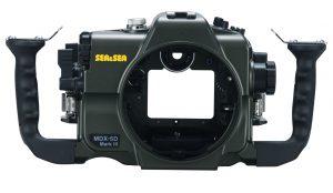 キヤノン EOS 5D Mark III用ハウジング「SEA&SEA MDX-5D Mark III」を、キャノン  EOS 5D Mark IV カメラ用ハウジングに改造