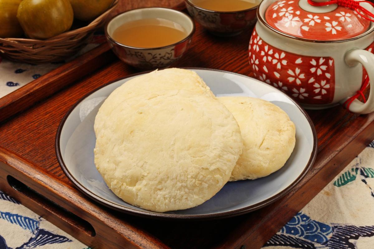Taiwan Food Sun Cake AShutterstock 513249805