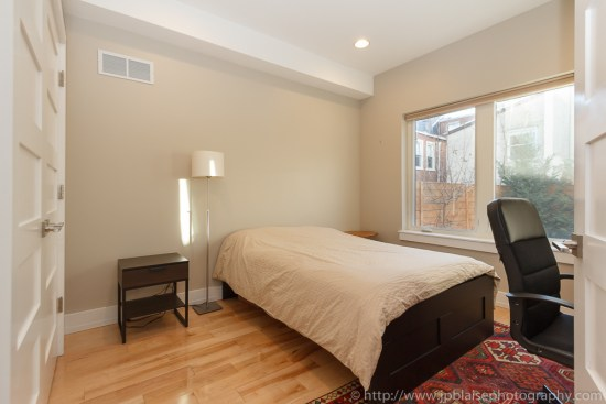 Real Estate photography session : bedroom on the ground floor