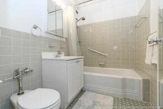 Apartment photographer ny new york real estate union square interior photography Manhattan alcove studio bathroom