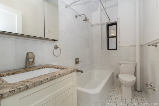 Apartment photographer upper west side ny ny manhattan new york bathroom