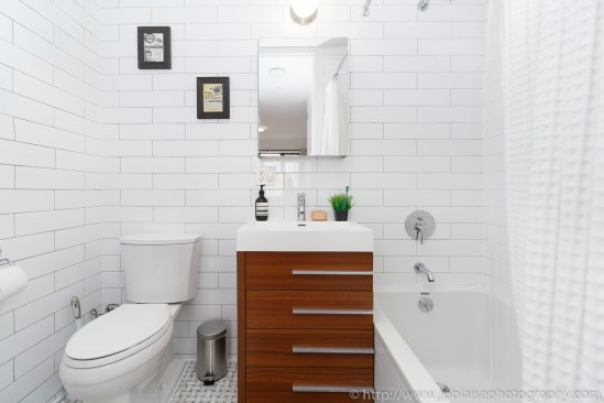 Apartment photographer williamsburg real estate interior bathroom