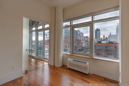 New York Apartment photographer : bedroom in Long Island City