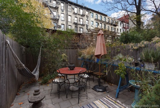 Real Estate photography of apartment in new york city - outdoor space