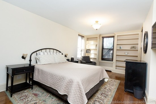Interior picture of bedroom (3 bedroom Brooklyn Heights apartment in New York)