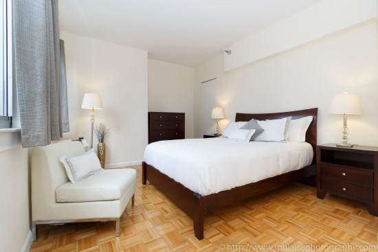NY apartment photographer real estate airbnb interior midtown manhattan bedroom nyc