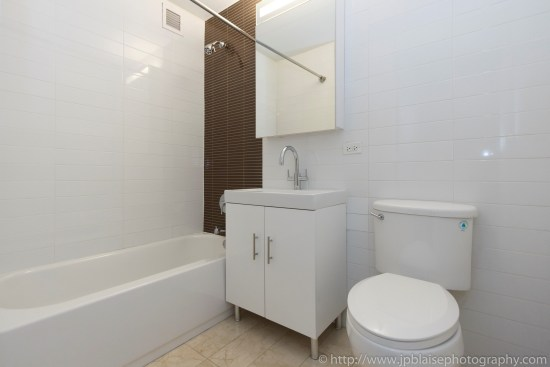 New York Apartment photographer work Studio unit in the Financial District Manhattan bathroom
