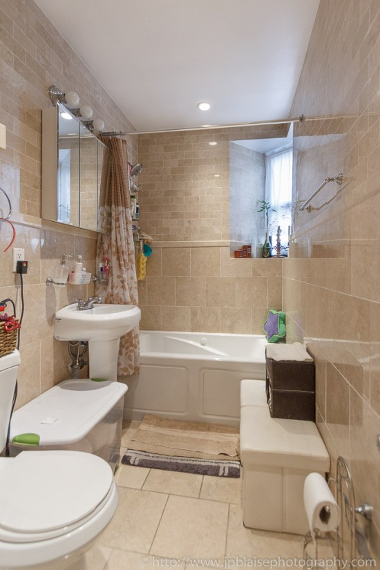 Latest Real Estate Photography Work: picture of the bathroom in Hamilton Heights One bedroom unit