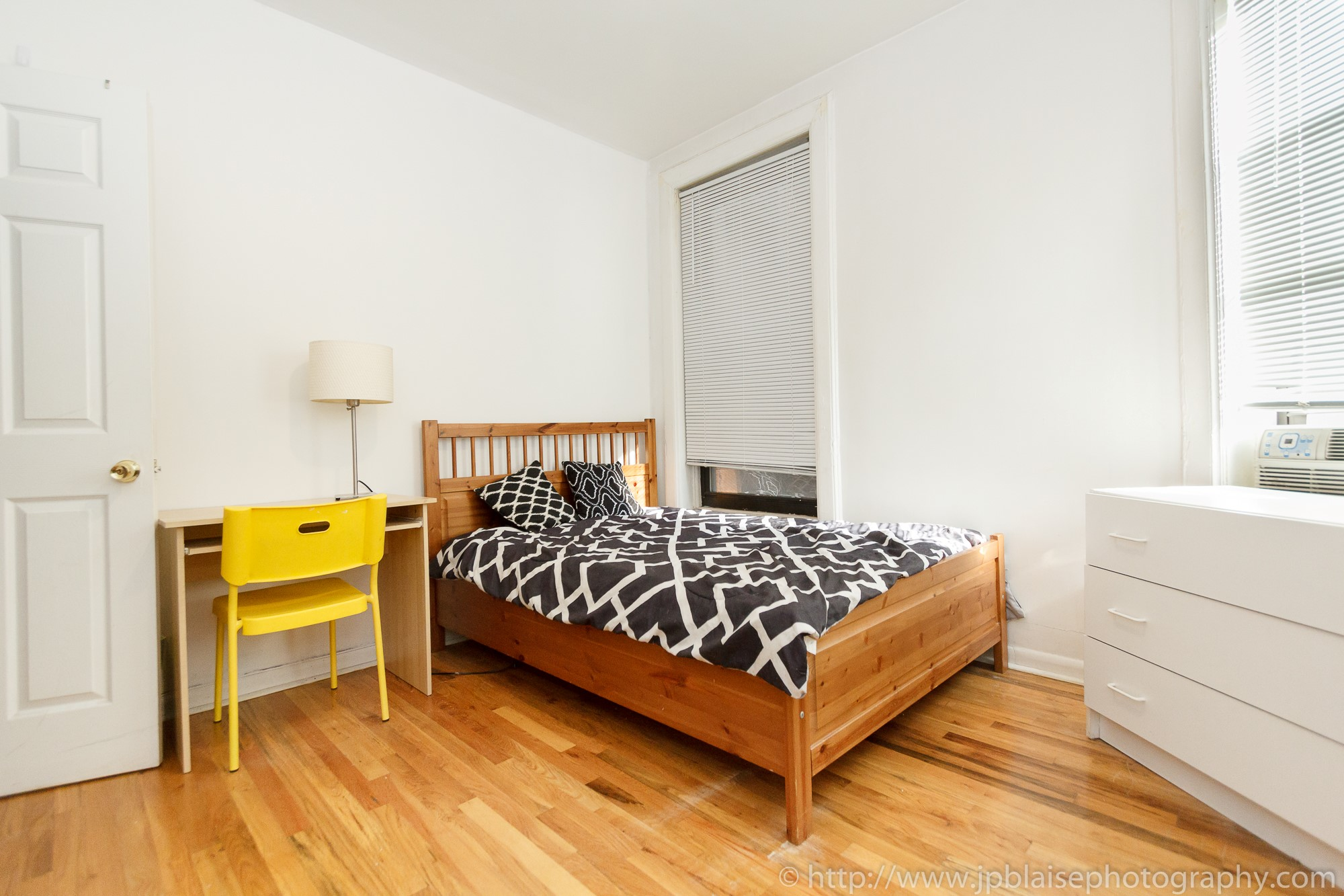 Recent Apartment Photographer Work Room For Rent On The