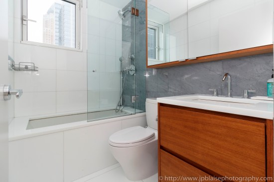 New york city apartment photographer ny nyc real estate interior photography midtown west master bathroom