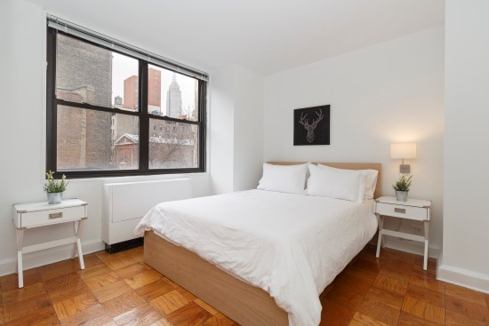 Real estate photographer apartment interior ny nyc new york city murray hill manhattan bedroom