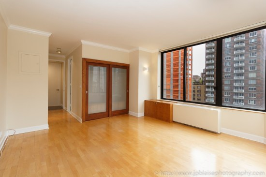 Sutton place apartment photographer real estate interior NYC New york ny master bedroom