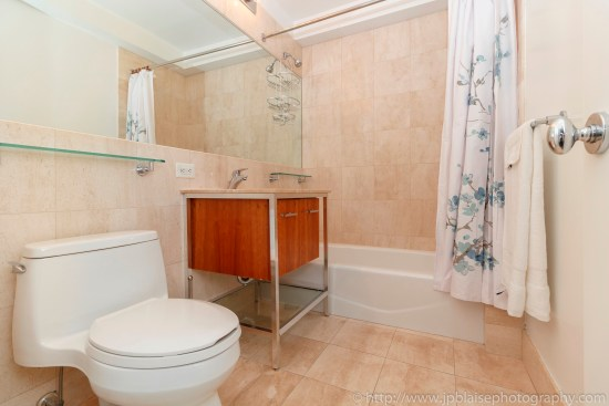 real estate photographer apartment interior midtown west photography bathroom