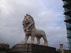 Apparently there are thousands of lion statues all over town - England's symbolic animal.