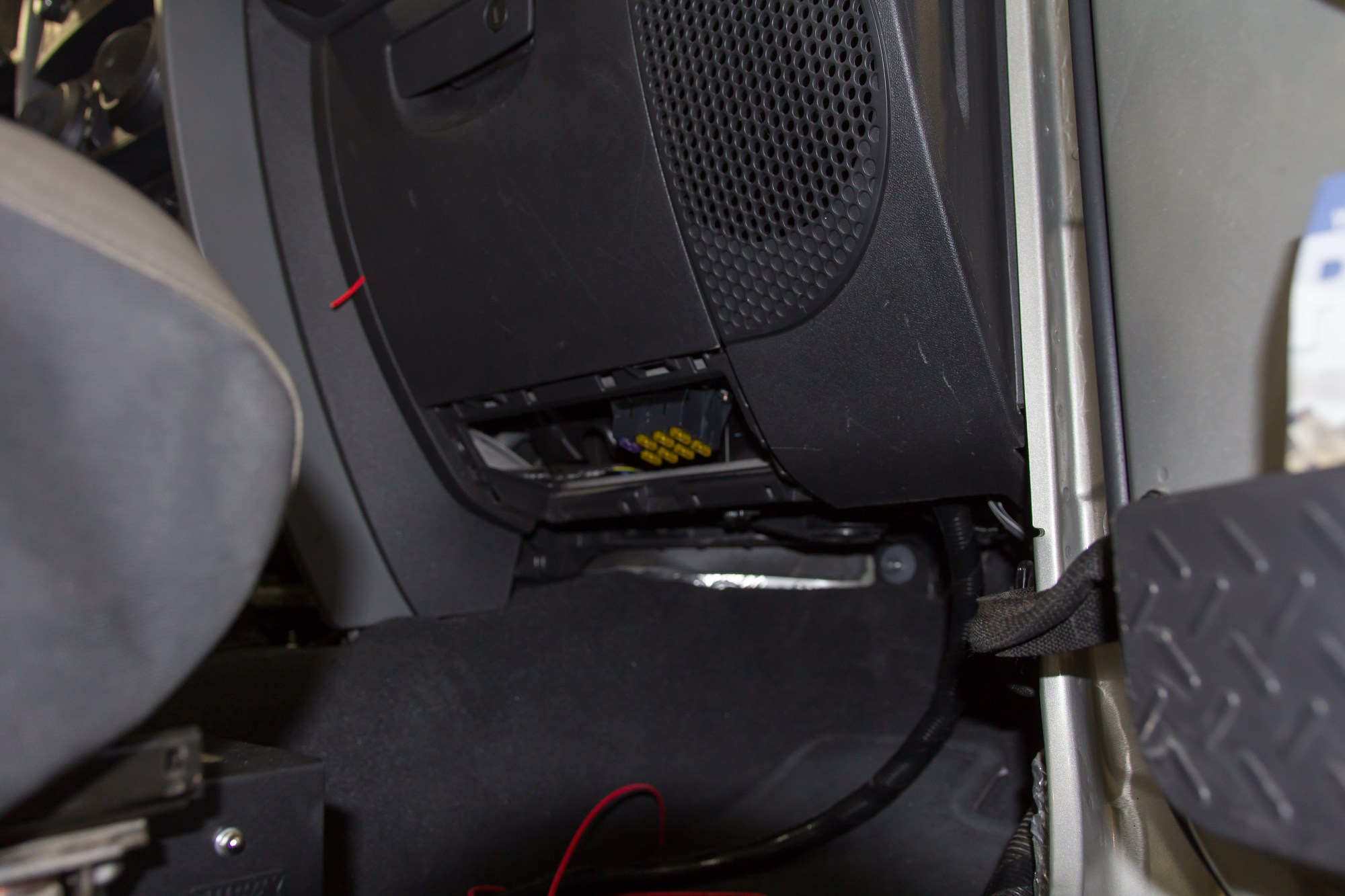 hight resolution of painless wiring 7 circuit fuse block mounted under the glovebox