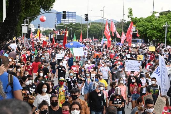 Manifestação contra governo Bolsonaro no Rio de Janeiro