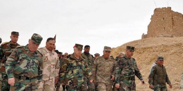 بتوجيه من الرئيس الأسد.. رئيس الأركان يشرف على سير العمليات القتالية في تدمر