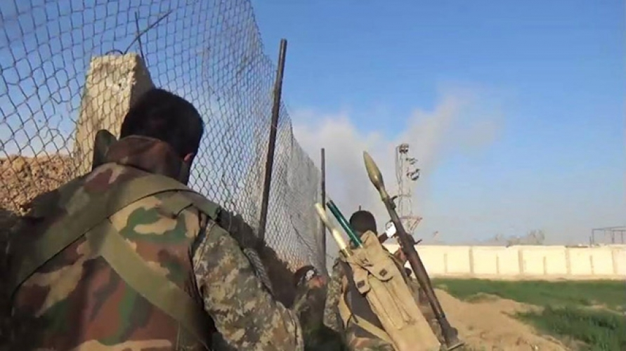 احباط محاولة تسلل لمسلحي داعش باتجاه إحدى النقاط العسكرية في محيط المقابر بدير الزور