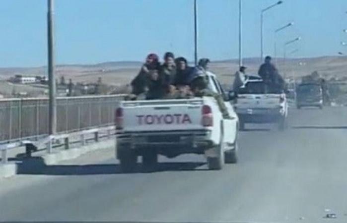 تنفيذ لإتفاق سابق .. انسحاب قافلة من الوحدات القتالية الكردية من منطقة منبج