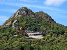 太郎坊宮・阿賀神社