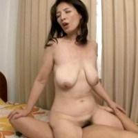 園田ユキ(友井可奈子) 垂れ乳のセレブなスレンダー美熟女