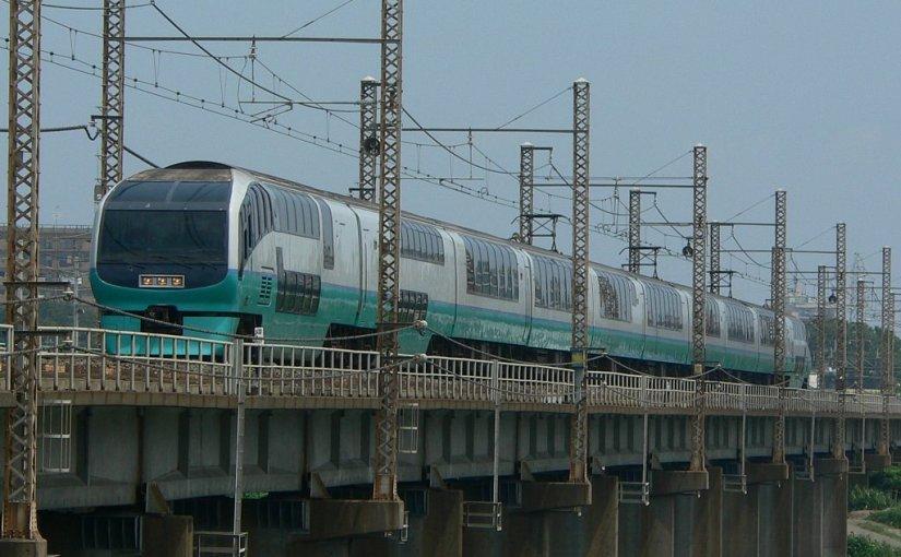 Express train to Izu and Atami from Tokyo/Yokohama. Limited Express Odoriko / Super View Odoriko