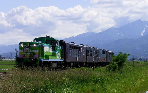 Schedule of 2014 summer seasonal trains of Japan Railways
