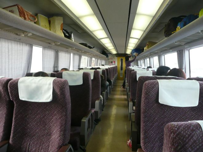 651 series ordinary class interior