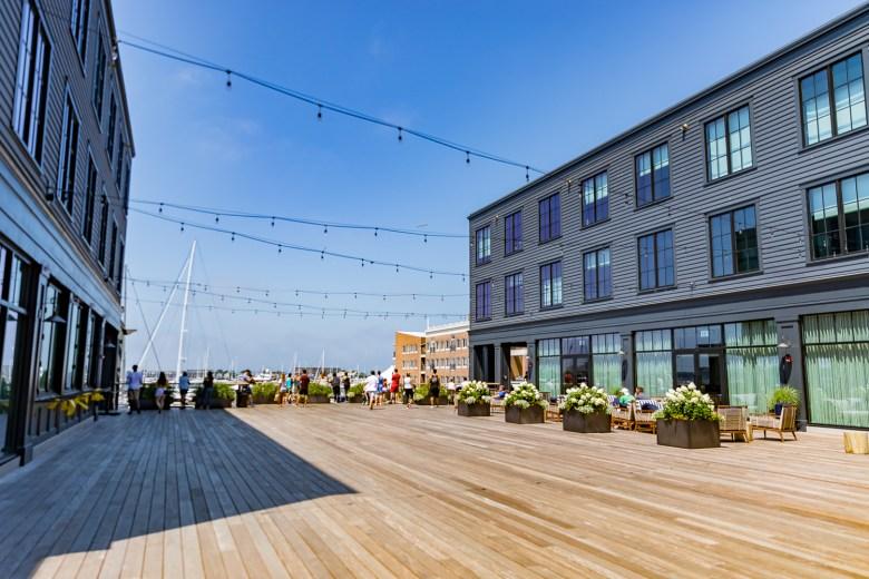hammetts hotel newport ri courtyard