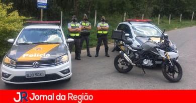 Policiais rodoviários recuperam moto furtada