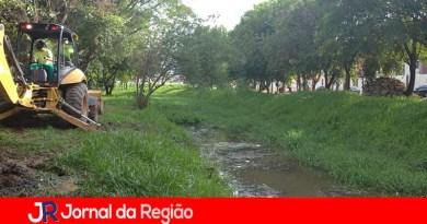 Prefeitura faz Operação Limpeza em Córrego