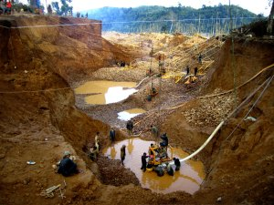 illegal-myanmar-gold-mine