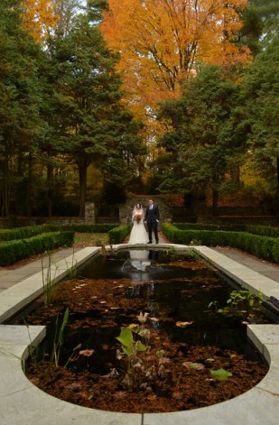 I am in love with this beautiful fall garden. Holly and Steve's Wedding