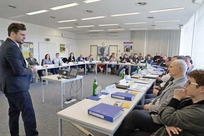 """IKT-Workshops """"Breitbandkabel in Abwasserkanälen"""" finden im Juni, Juli und September 2016 statt"""
