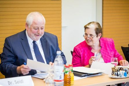 Karl Schultheis, Mitglied im Wissenschaftsausschuss Landtag NRW und Prof. Notburga Ott