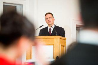 Vorstandsvorsitzender der JRF Prof. Dr. Dieter Bathen