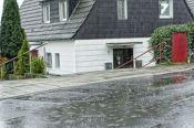 Berater Starkregenvorsorge arbeiten mit Behörden, Kommunalpolitik und Bürgern gemeinsam an Konzepten zum Schutz vor Schäden durch Starkregen. Foto: IKT