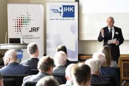Dr. Stefan Dietzfelbinger (Hauptgeschäftsführer der IHK Duisburg)