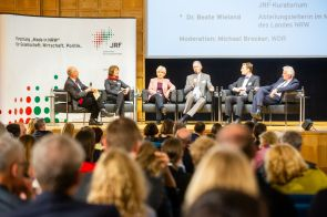 V.l.n.r.: Michael Brocker, Ulrike Schell, Beate Wieland, Ulrich Radtke, Michael Bayer, Thomas Kathöfer